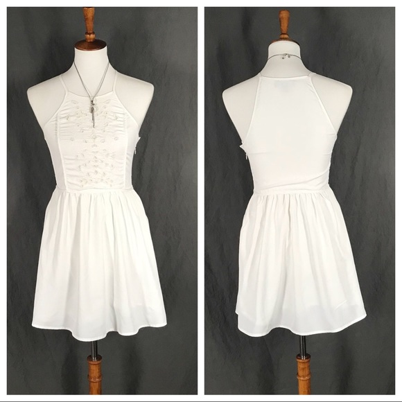 27c100001e Kendall   Kylie Dresses   Skirts - 💥SALE💥Kendall   Kylie white babydoll  mini